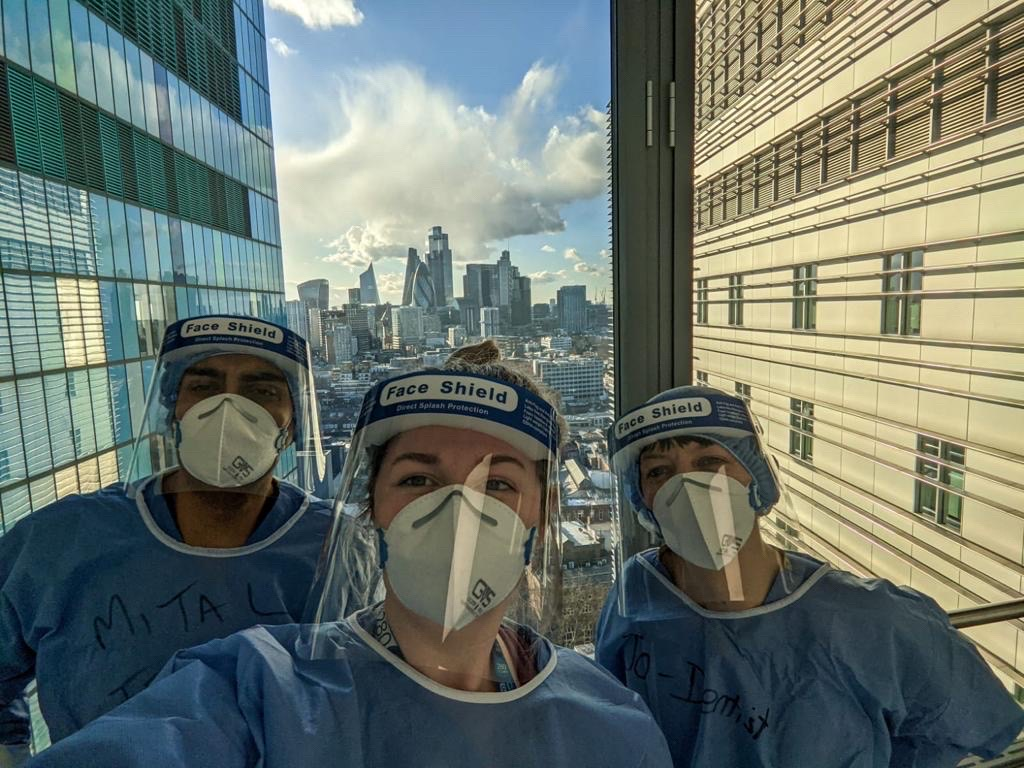 image-Dental team on the queen elizabeth unit 2